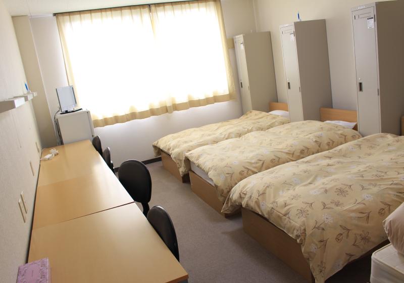 校舎内宿舎「星水館」室内写真